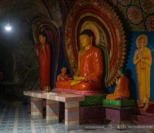 hollombuwa_sthreepura_cave_temple_03jpg