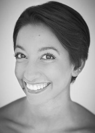 Twomley-Lauren-headshot-WEBSITE_edited.j