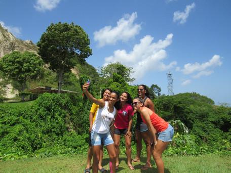 As vantagens de viajar em grupo