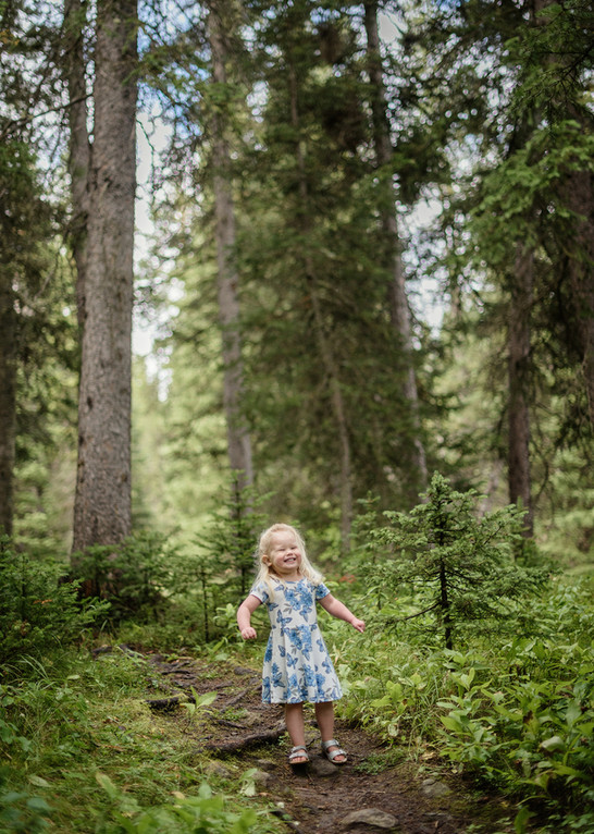 Bozeman Photographer - Girl conquers the woods