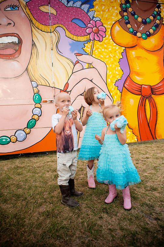 Big Sky Photographer - kids at fair