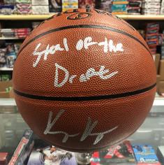 Kyle Kuzma Auto Basketball