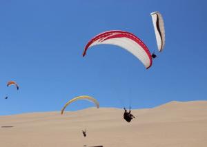 Paragliding-in-Swakopmund.png
