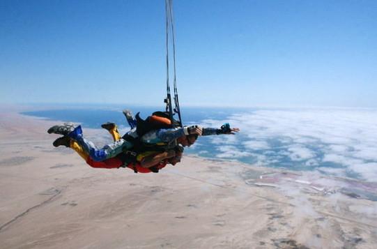 swakopmund-sky-diving-590x390.jpg