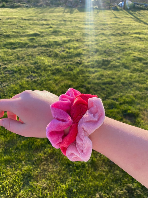 barbie world 3 scrunchie set
