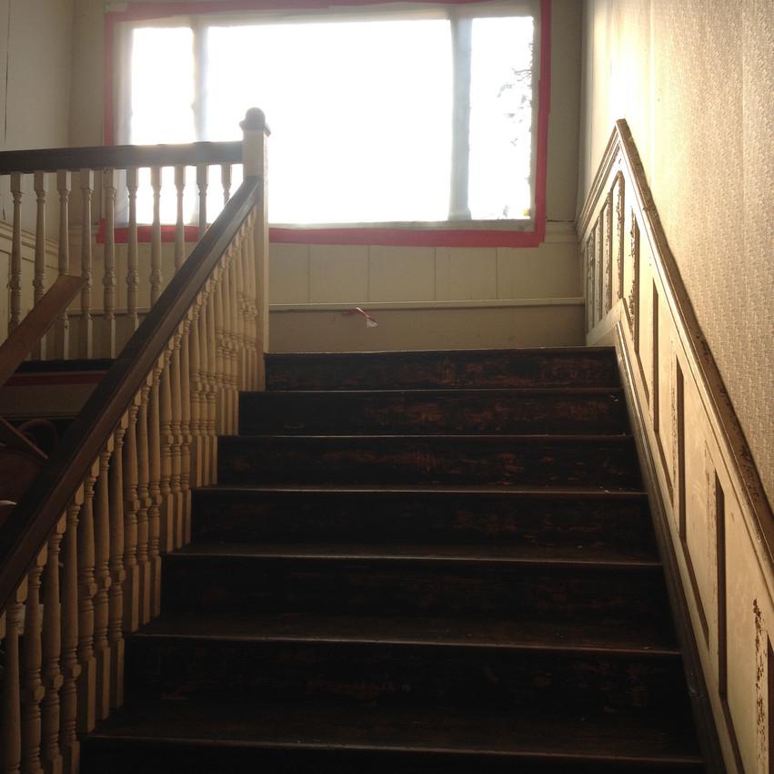 PHOTO Inn staircase 2