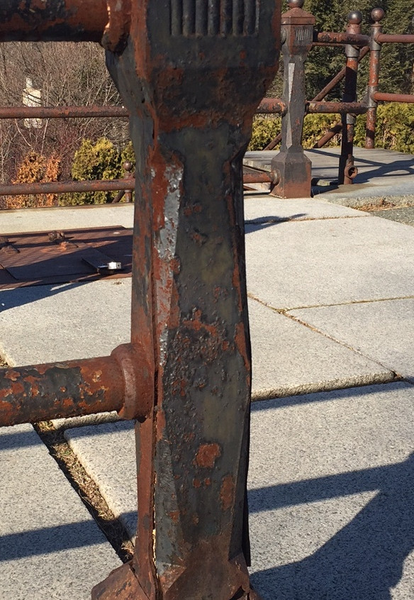 09 EB Railing - fractured post