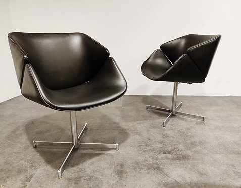 SOLD Pair of exquis armchairs by Geoffrey Harcourt for Artifort, 1960s