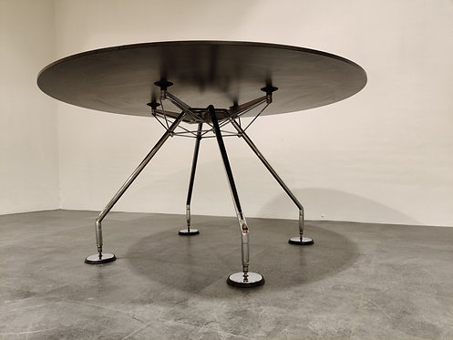 SOLD Round Dining Table by Norman Foster for Tecno, 1980s