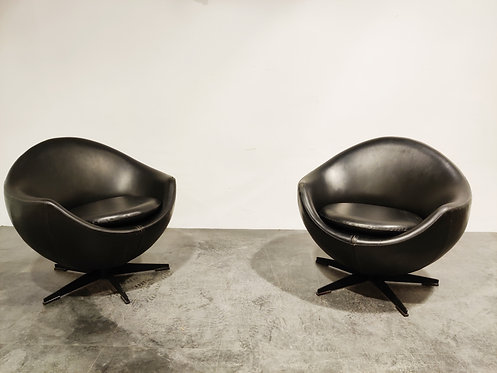 SOLD Pair of Mars lounge chairs by Pierre Guariche for Meurop, 1965