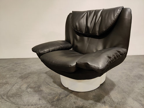 Vintage lounge chair by T. Ammannati and G.P. Vitelli  for Comfort in Italy, 197