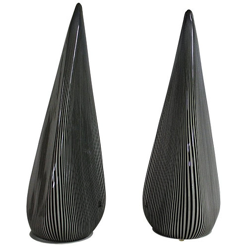 Pair of large murano pyramid lamps by Vetri, 1970s