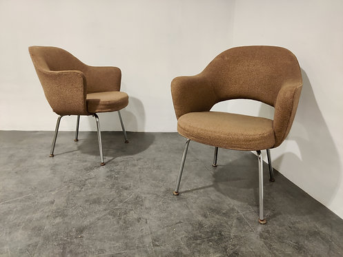 SOLD Pair of executive conference armchairs by Eero Saarinen for Knoll, 1970s