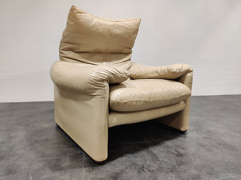 SOLD Leather Maralunga armchair by Vico Magistretti for Cassina, 1973