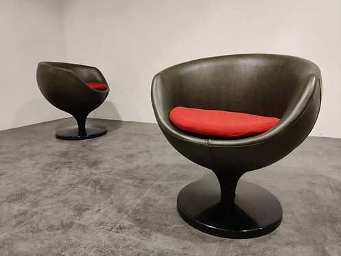 SOLD Pair of Luna lounge chairs by Pierre Guariche for Meurop, 1960s