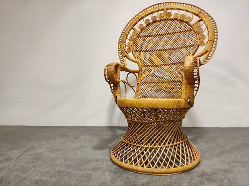 SOLD Vintage wicker peacock chair, 1970s