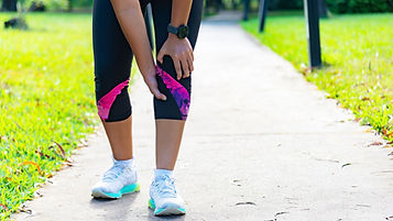 young-woman-suffering-from-running-knee-