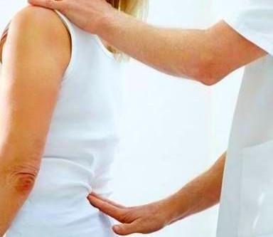 Veja um fisioterapeuta em primeiro lugar para dor lombar