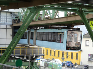 Wuppertal Schwebebahn - a train nerds dream