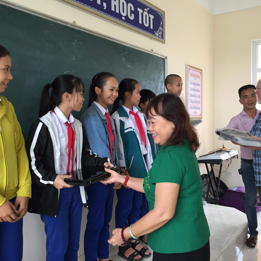 Laptops donated by customers have been refurbished and given to a school in Vietnam. Photos and co-ordination by Frank Bonham. (I just did a couple of the laptops, not all of those shown).