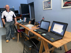 5 laptops and a twonk