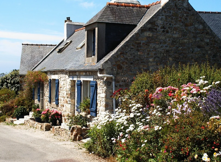 What is French Country Living as an Interior Design Style?