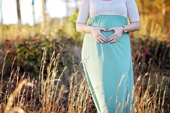 clayton maternity photographer