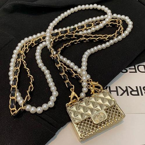 La petite surprise Couture Mini Metall Täschchen mit Perlenkette Gold