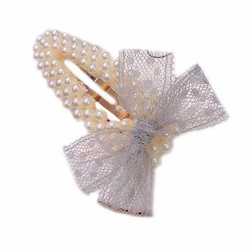 La petite surprise Couture Perlen Haarspange Grau