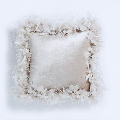 La petite surprise Couture Samt Feder Kissen Creme 45x45 cm
