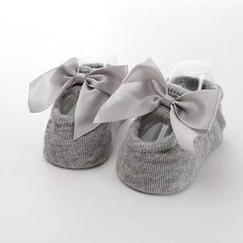 La petite surprise Couture - 1 Paar Baby Socken Grau Gr.0-12 Monate