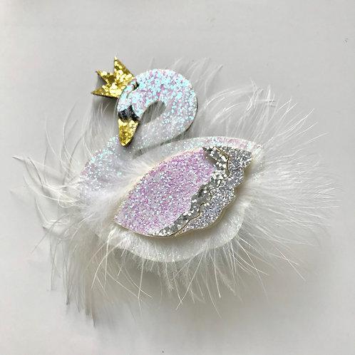 La petite surprise Couture Haarspange Schwan Weiß