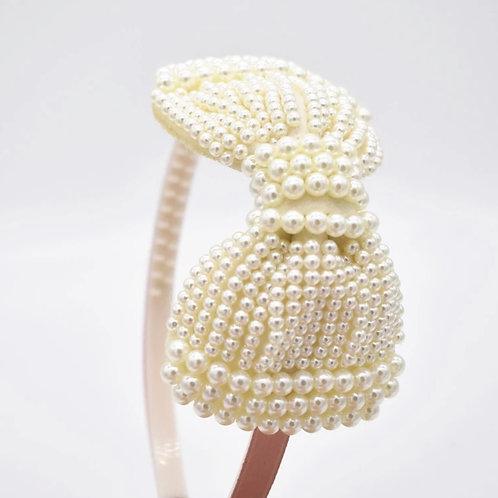 La petite surprise Couture Haarreifen Perlen Schleife Creme