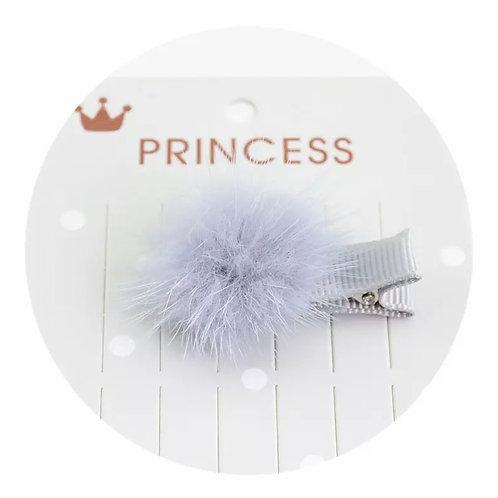 La petite surprise Couture Pompom Haarspange Grau