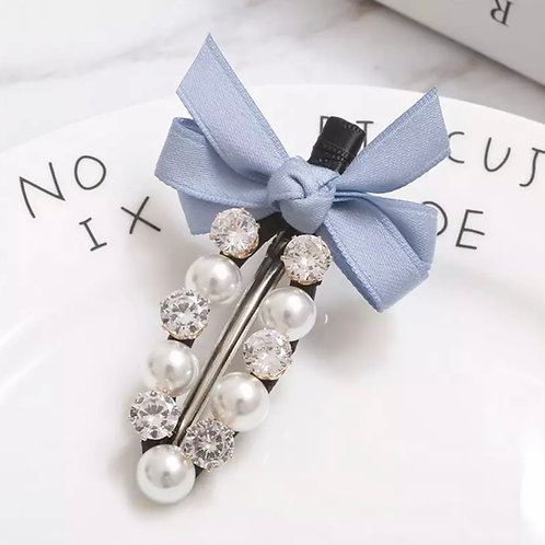 La petite surprise Couture Haarspange Hellblau