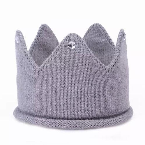 La petite surprise Baby Couture Strick-Krone Grau