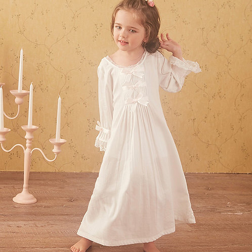 La petite surprise Couture Nachthemd Lina Weiß