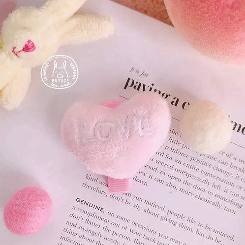 La petite surprise Couture Haarspange Herz Plüsch Rosa