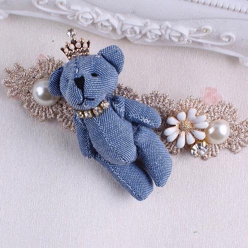 La petite surprise Couture Haarspange Teddy Hellblau