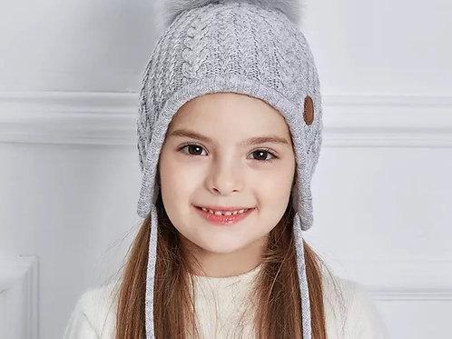 La petite surprise Couture Mütze mit Fellbommel Grau