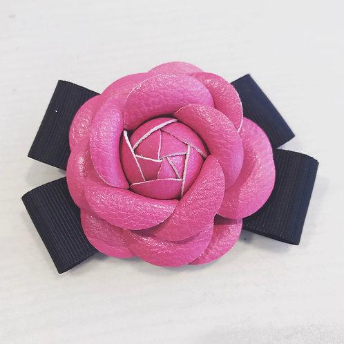 La petite surprise Couture Brosche Camelia Pink