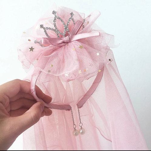 La petite surprise Couture Haarreifen mit Schleier Rosa