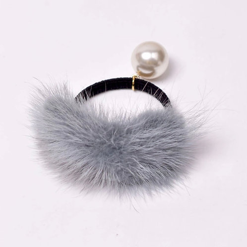 La petite surprise Couture Haargummi mit Fell und Perle Grau