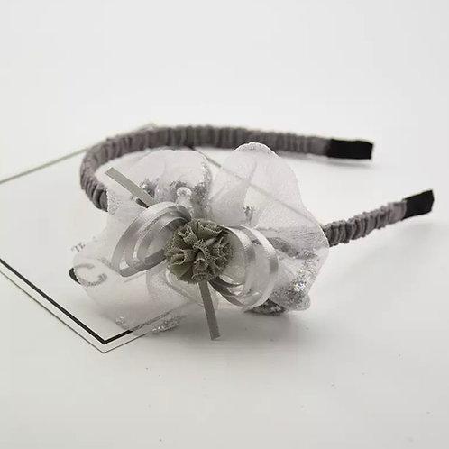 La petite surprise Couture Haarreifen Blume Grau