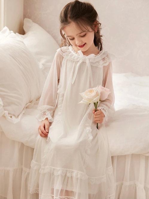 La petite surprise Couture Nachthemd Cecile Weiß