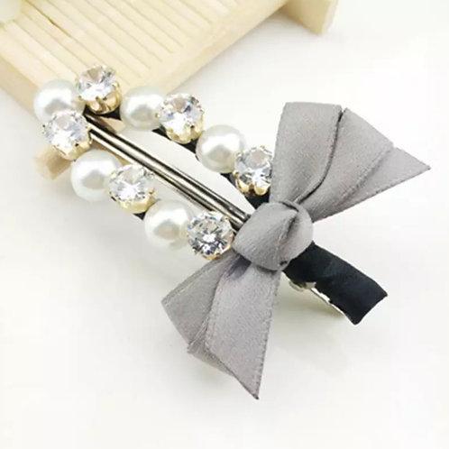 La petite surprise Couture Haarspange Grau