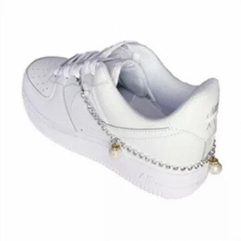 La petite surprise Couture Sneakers Fusskette Perlen