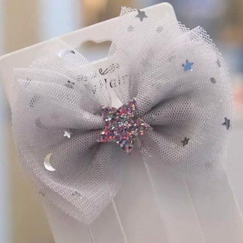 La petite surprise Couture Haarspange Schleife Grau
