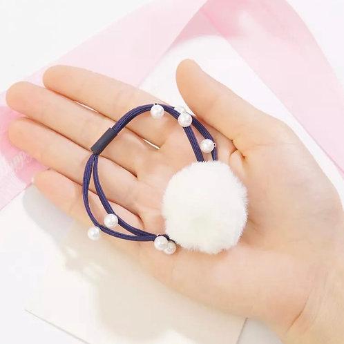 La petite surprise Couture Haargummi mit Pompom und Perlen Marine-Weiß