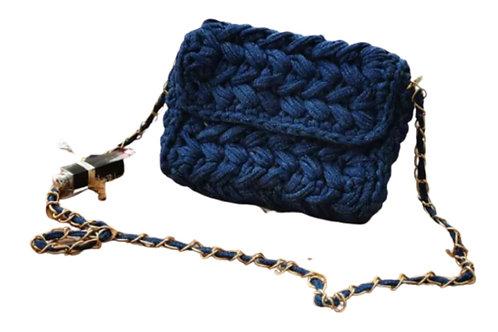 La petite surprise Couture Grobstrick-Tasche Jeansblau